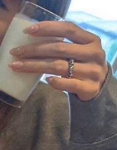 山本舞香さんの指輪画像
