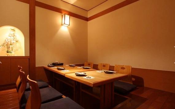 澤尻剣士の新橋もつ鍋・桜藩のイケメン店長!お店の場所は?2