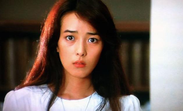 小林麻美が突然の引退をした理由とは?
