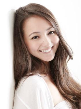 山田章仁(ラグビー元日本代表)の嫁ローラがかわいい!モデル美人妻の顔画像とは?6