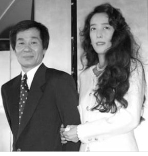小林 麻美 夫