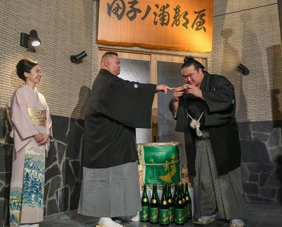 【画像】田子ノ浦親方の嫁・積山琴美と不倫した弟子Xは誰?
