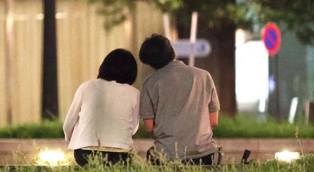 橋本学は嫁・栄里子と離婚へ?【コロナ禍に自見英子と不倫】