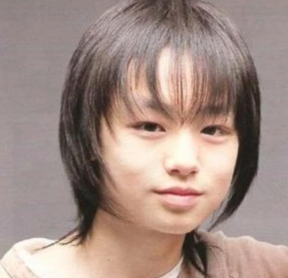 伊野尾慧のおでこはハゲなのか「子供時代」の画像と比較