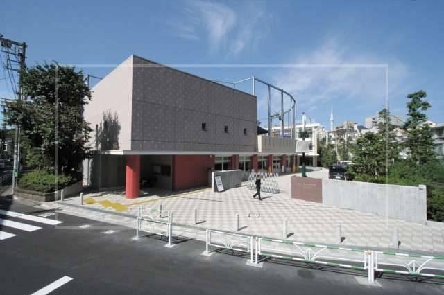 杉咲花【学歴】出身中学校は渋谷区の『上原中』校舎がおしゃれな都会の学校