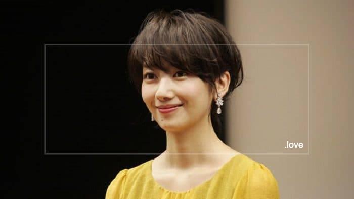 波瑠は伝説の美人女優・夏目雅子に激似の話も