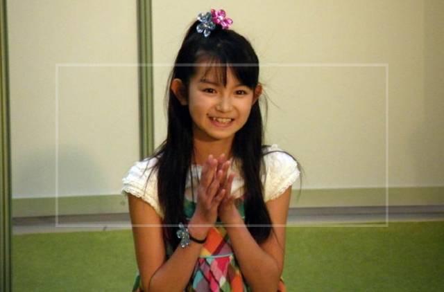 ③:幼少期からスクールに通い歌声を磨いてきた