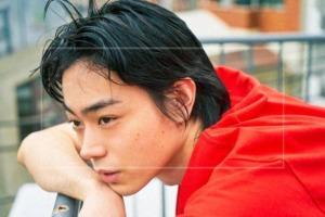 菅田将暉の最新の髪型を真似したい!パーマやアフロなど七変化なヘアスタイルを画像でチェック!