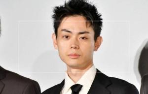 菅田将暉の髪型は似合わない?変な髪型が多すぎる!個性的な髪型の変化を画像で確認!